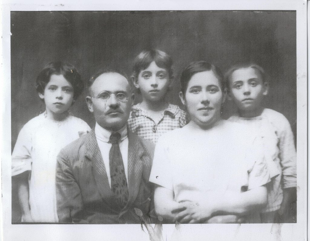 01 Resnick family